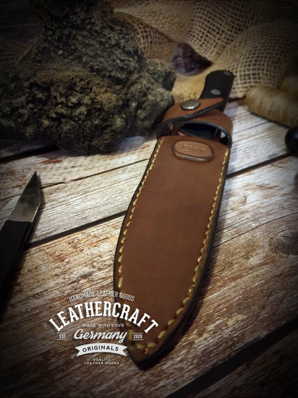 handmade Messerhülle für selbstgeschmiedetes Messer