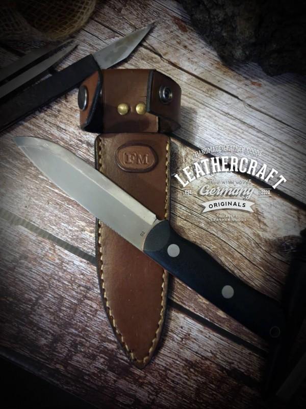handgemachte Messerhülle für selbstgebautes Messer