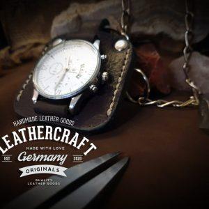 Uhr mit Kette und Leder