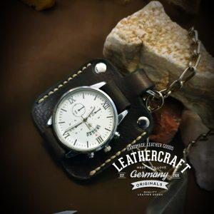 Uhr mit Kette