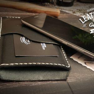 edle schwarze Handytasche aus Leder