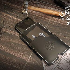 schwarze Handytasche aus Leder
